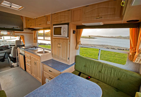 Budget 4 Berth Day